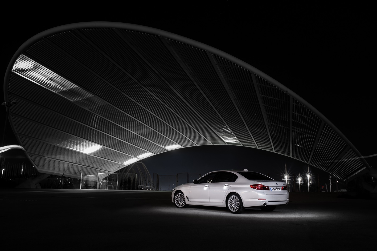BMW_5_Series_Luxury_Line_17