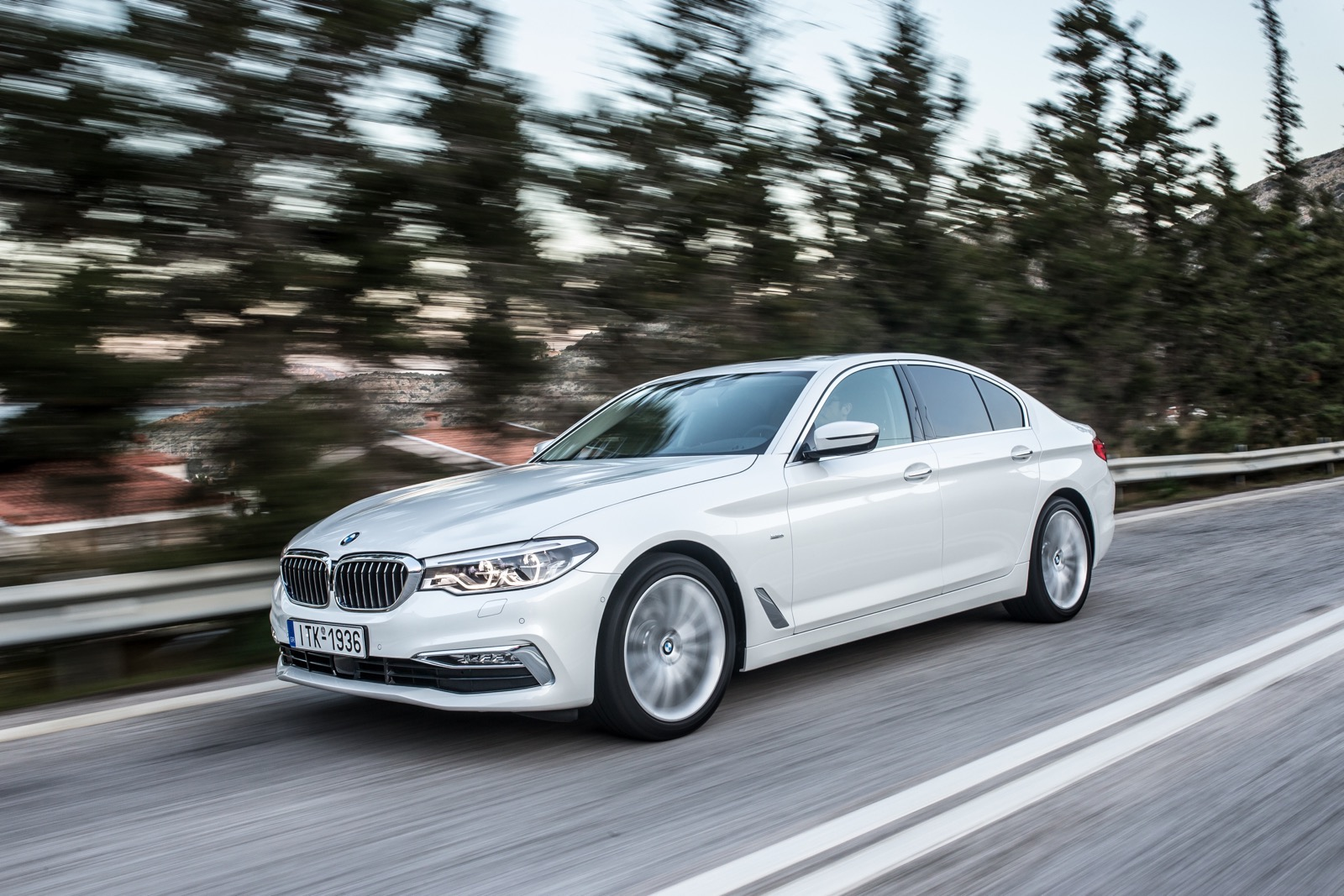 BMW_5_Series_Luxury_Line_23