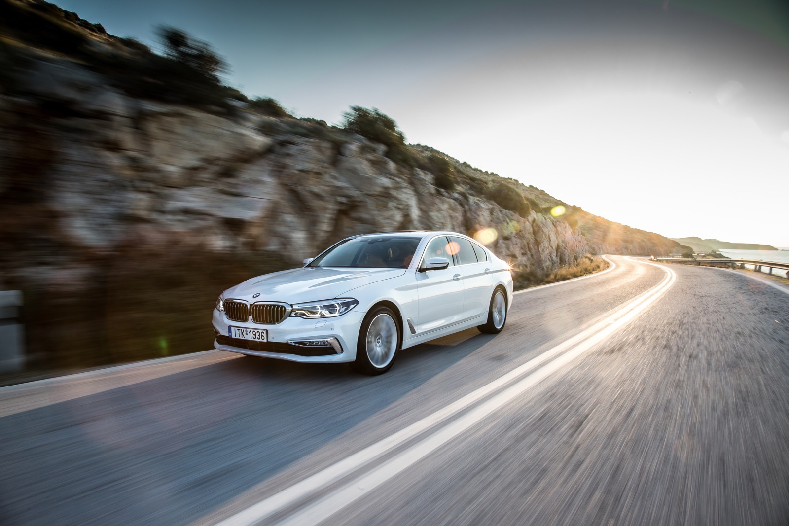 BMW_5_Series_Luxury_Line_26
