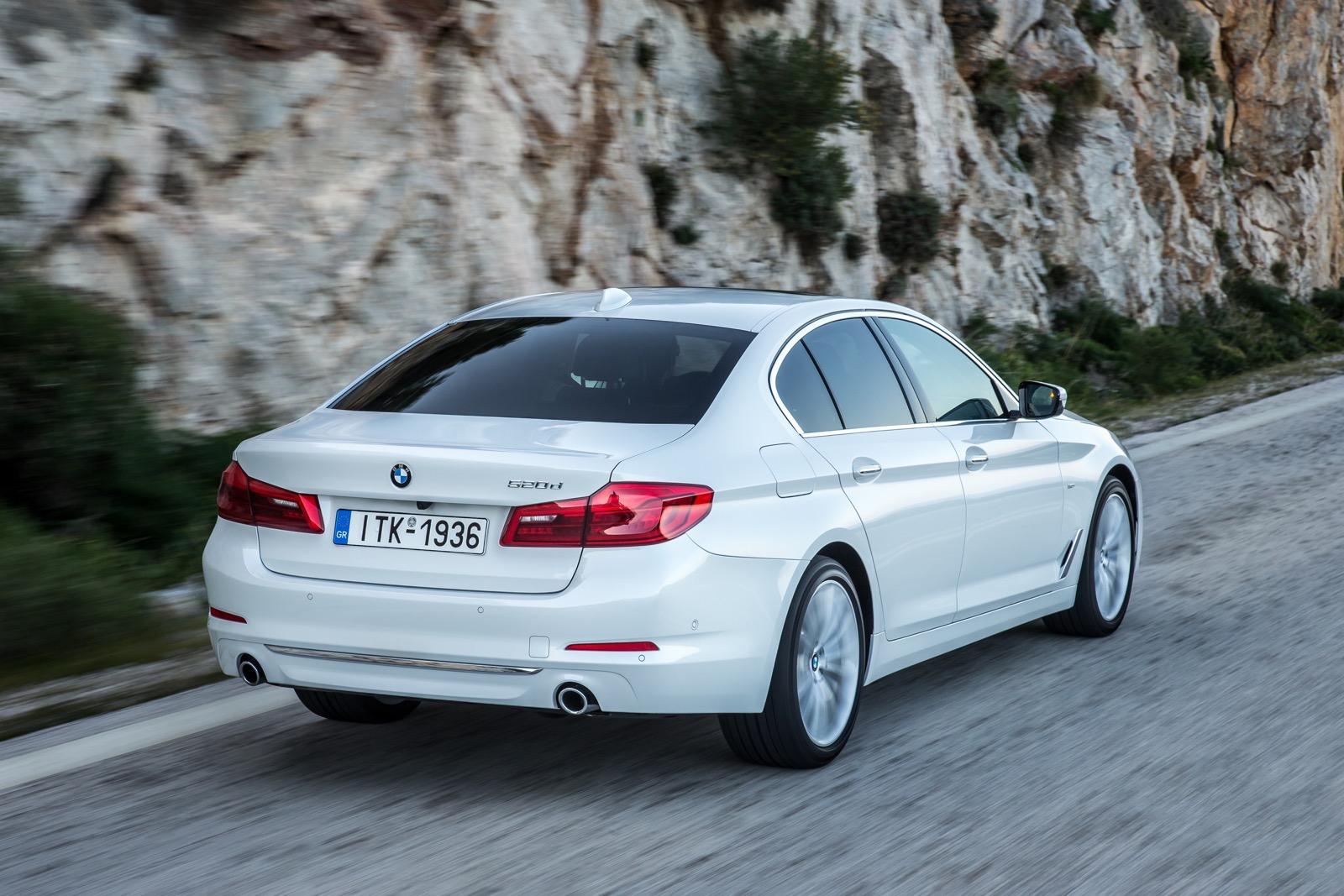 BMW_5_Series_Luxury_Line_32