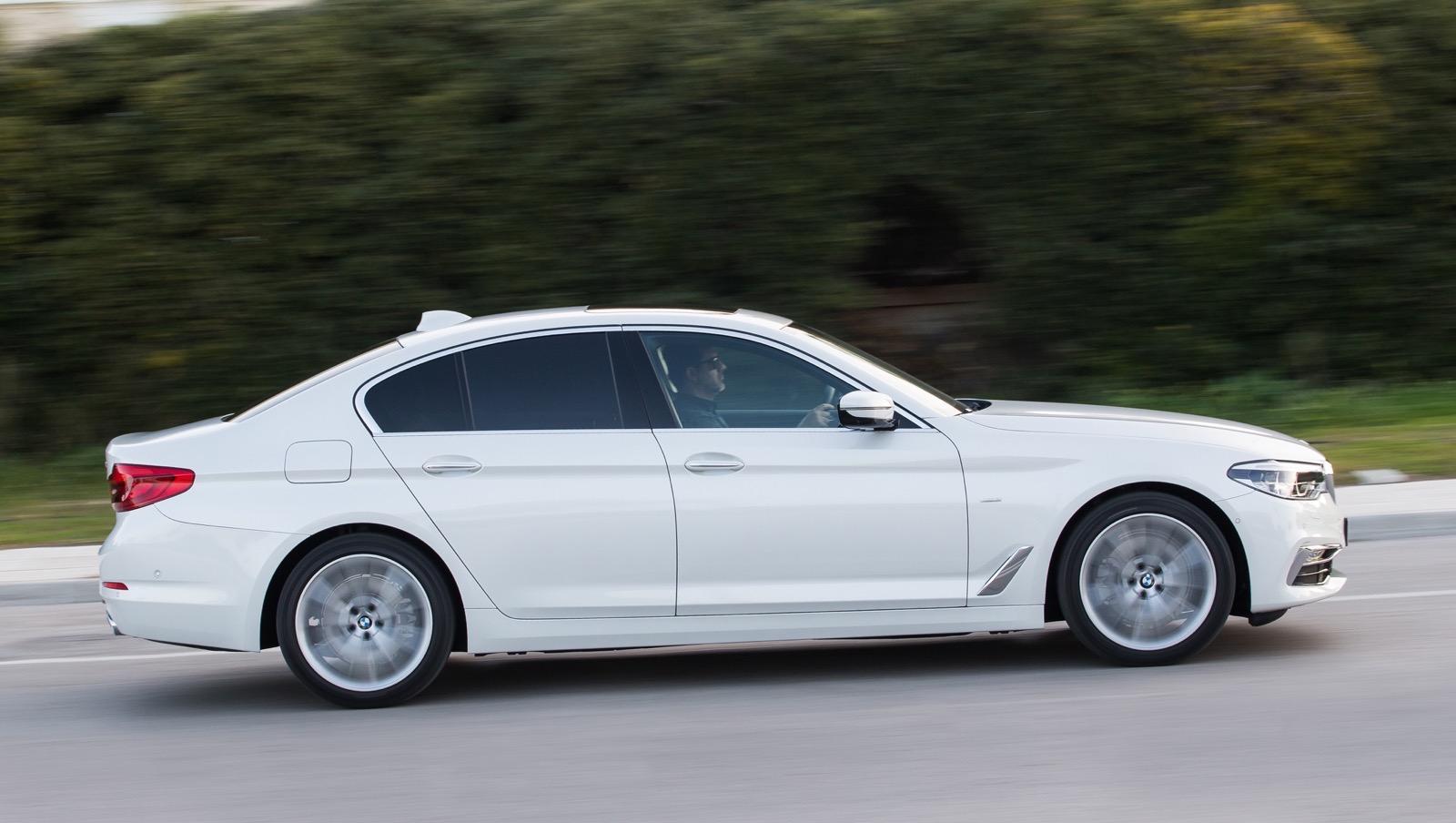 BMW_5_Series_Luxury_Line_38