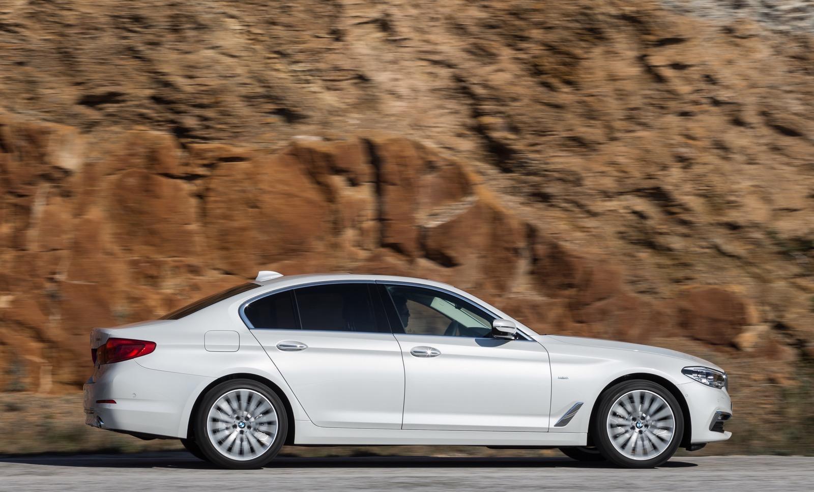 BMW_5_Series_Luxury_Line_42