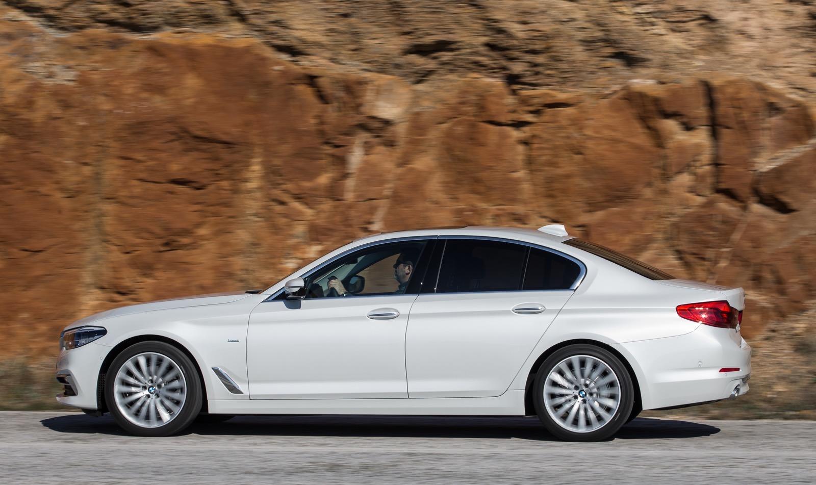 BMW_5_Series_Luxury_Line_52