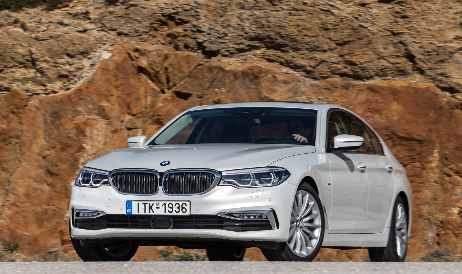 BMW_5_Series_Luxury_Line_55