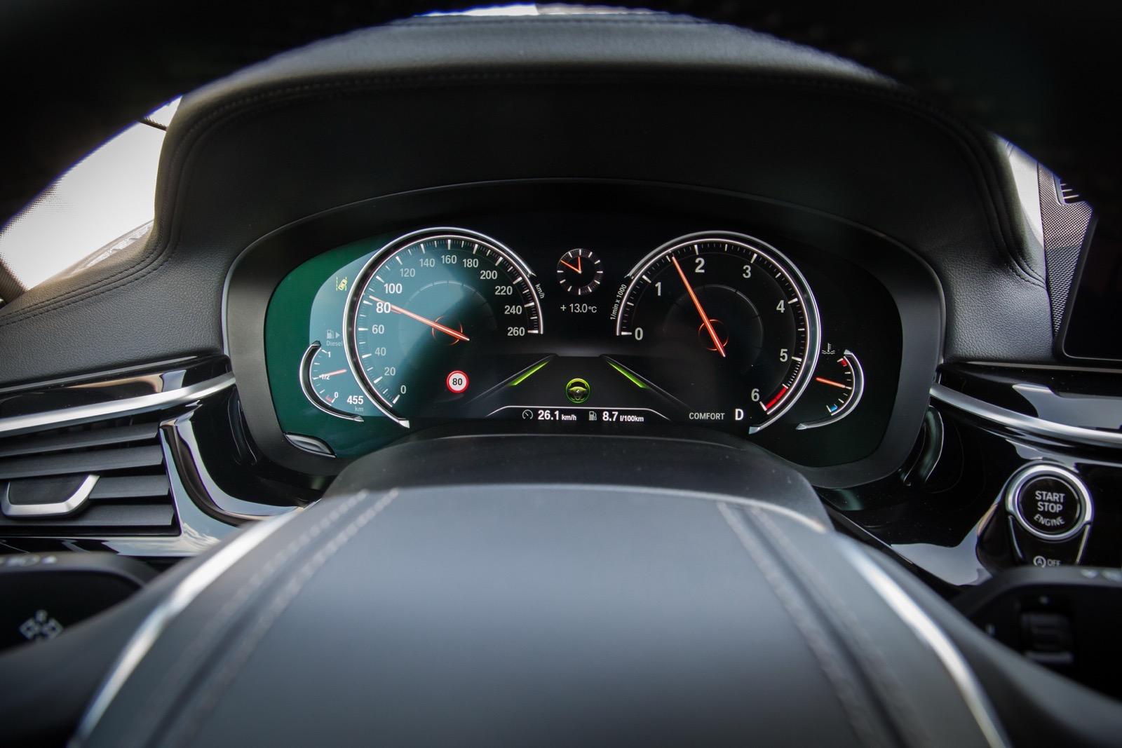 BMW_5_Series_Luxury_Line_68
