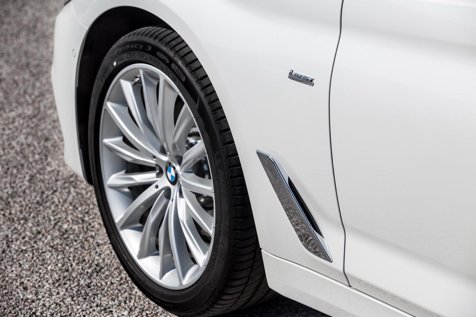 BMW_5_Series_Luxury_Line_73