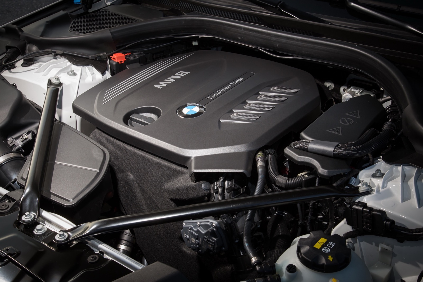BMW_5_Series_Luxury_Line_74