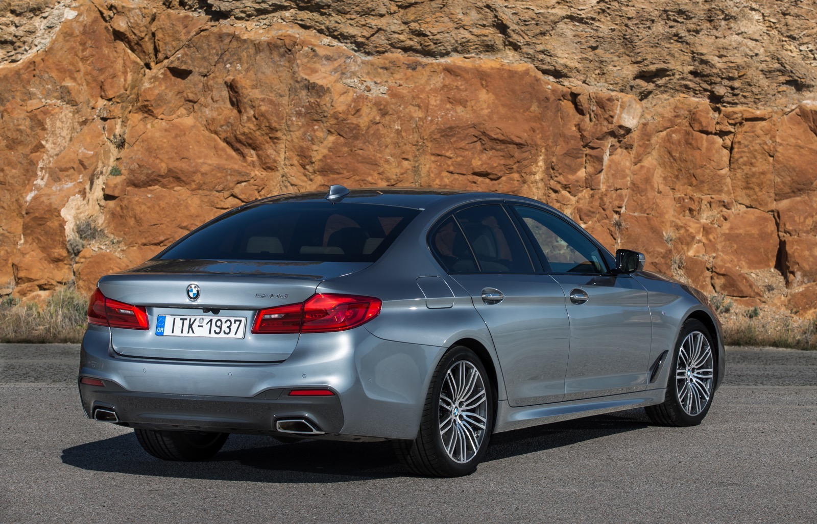 BMW_5_Series_M_sport_25