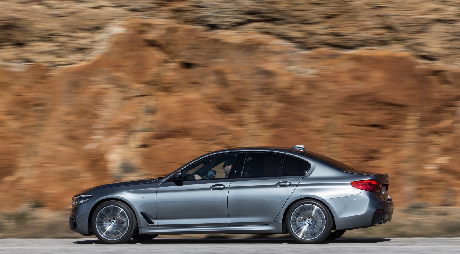 BMW_5_Series_M_sport_36