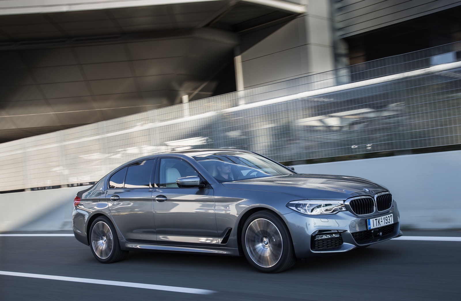 BMW_5_Series_M_sport_40