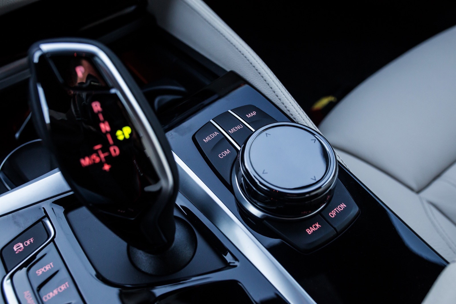BMW_5_Series_M_sport_69