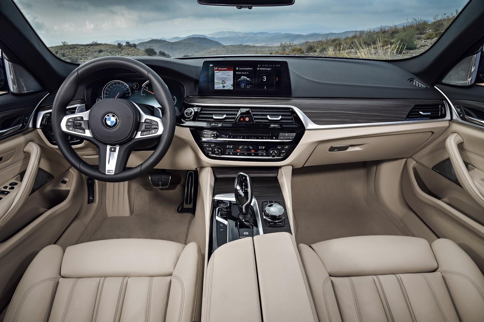 2018-BMW-5-Series-Touring-47
