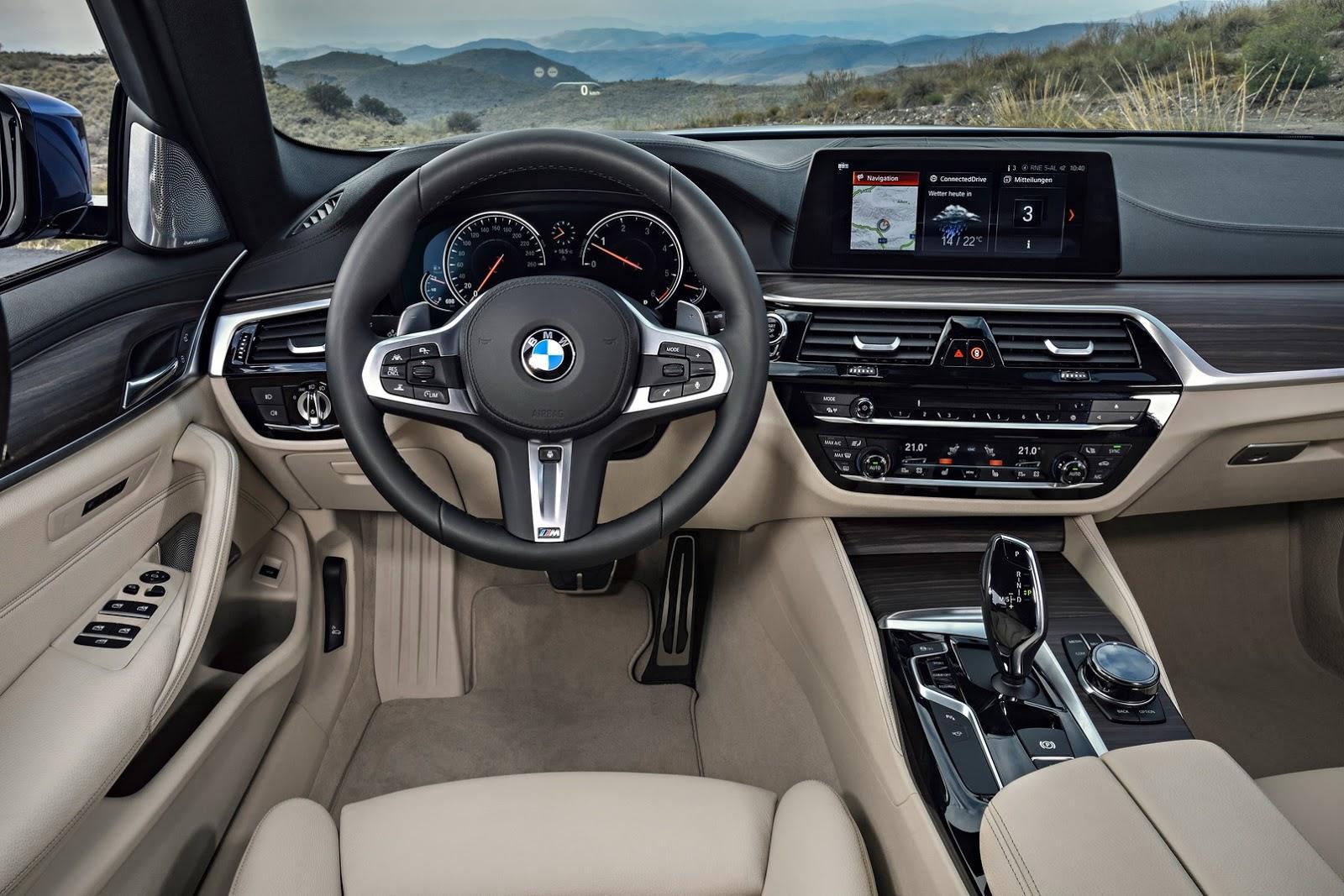 2018-BMW-5-Series-Touring-48