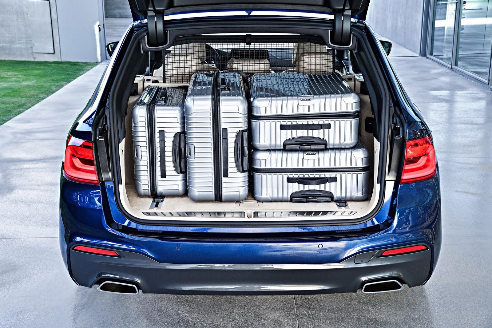 2018-BMW-5-Series-Touring-56