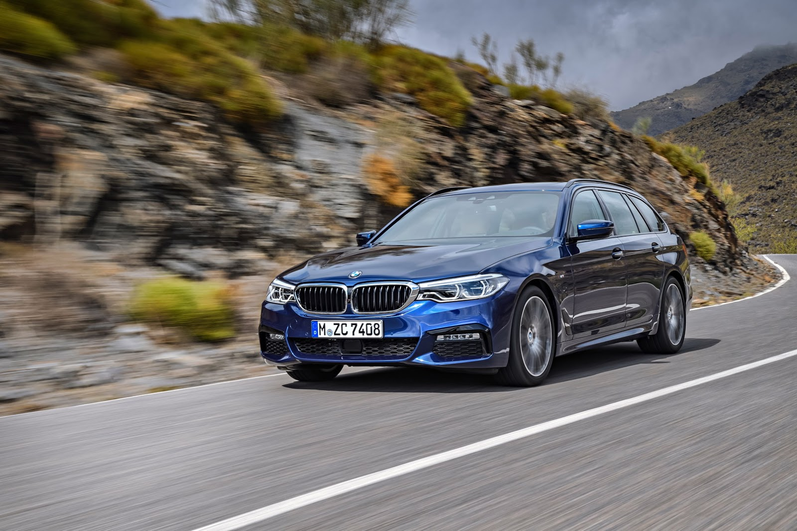 2018-BMW-5-Series-Touring-6