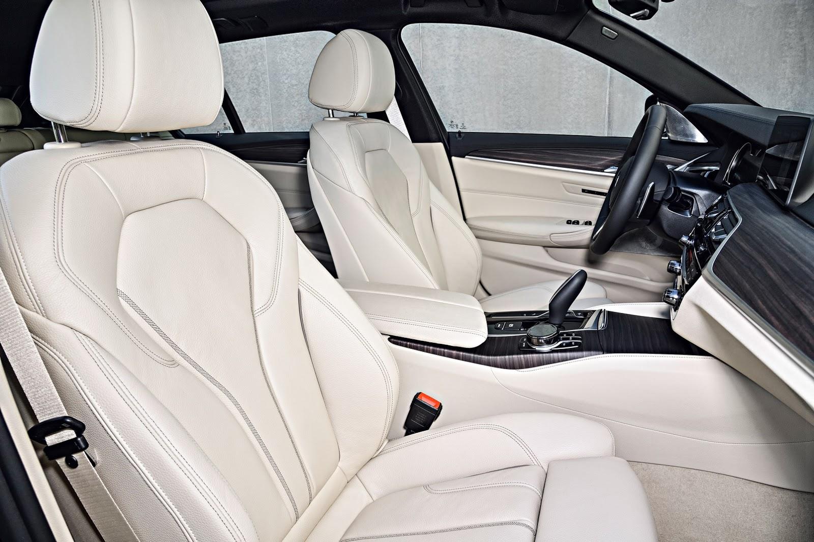 2018-BMW-5-Series-Touring-60