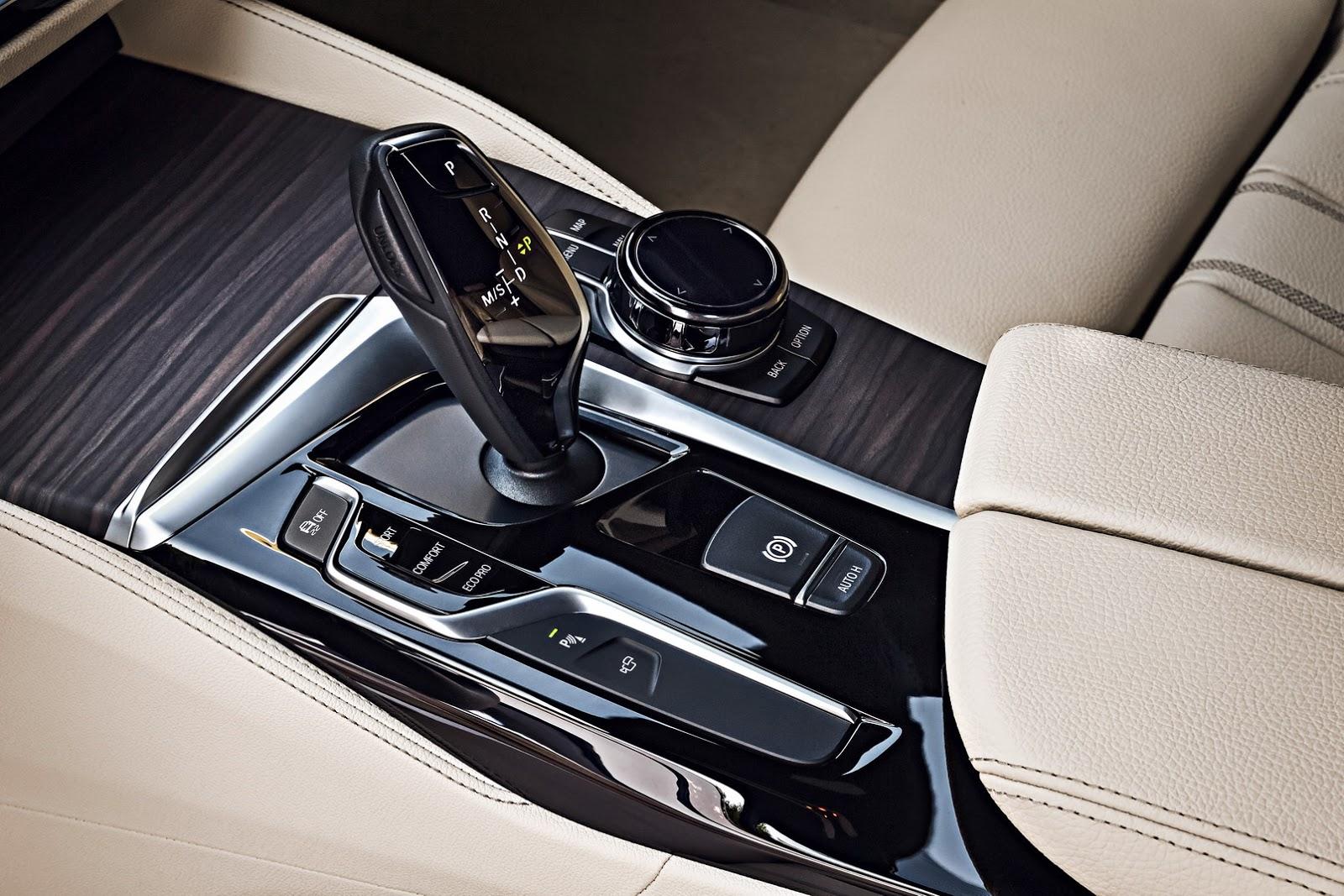 2018-BMW-5-Series-Touring-68