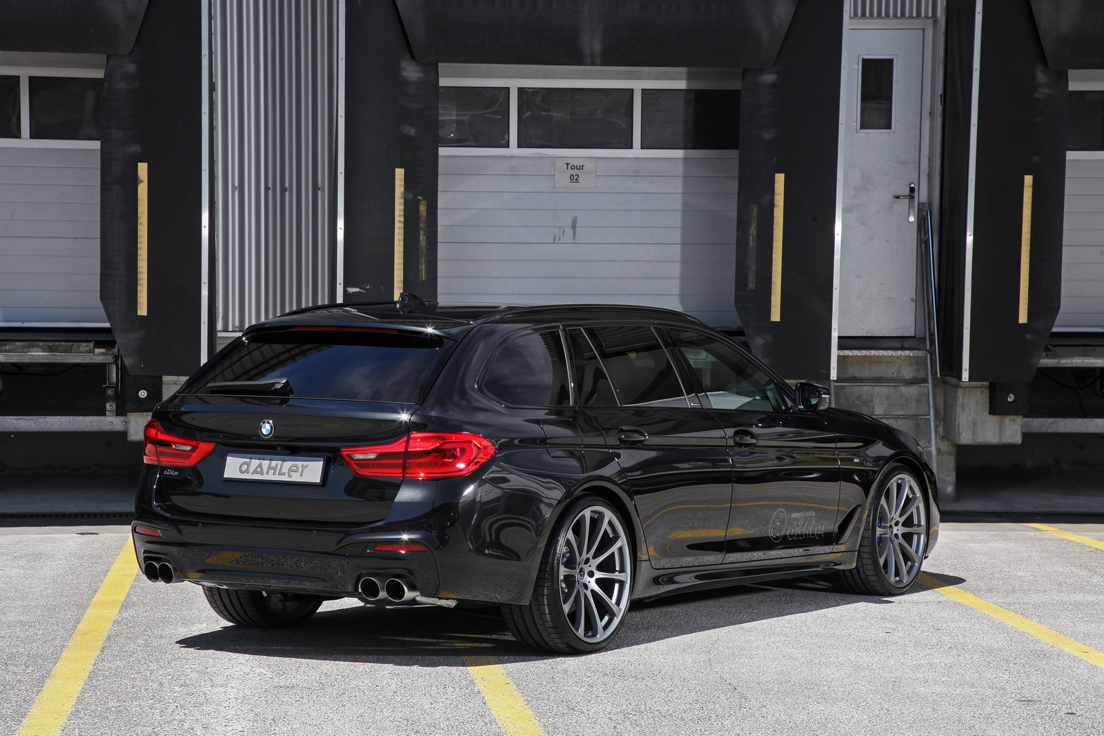 BMW_540i_Touring_by_Dahler_14
