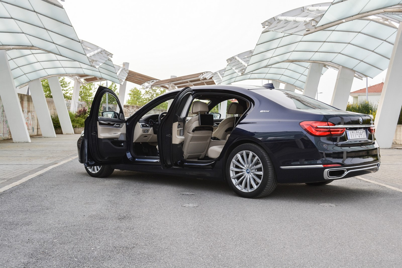 BMW 740Le - Test Drive BMW 7-Serries Autoblog.gr