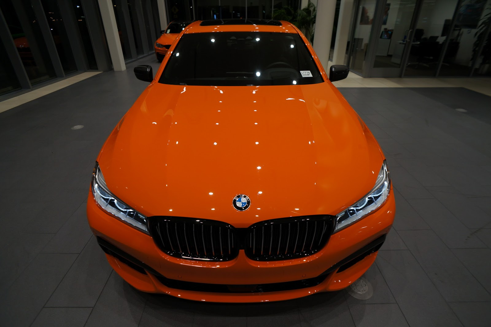 BMW_750i_Fire_Orange_02