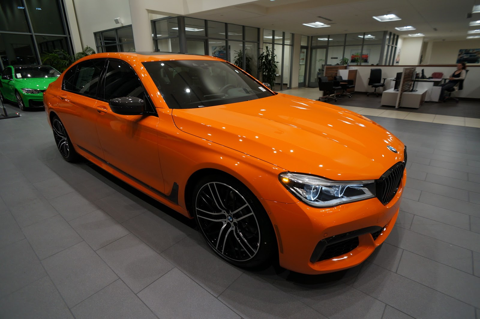 BMW_750i_Fire_Orange_26