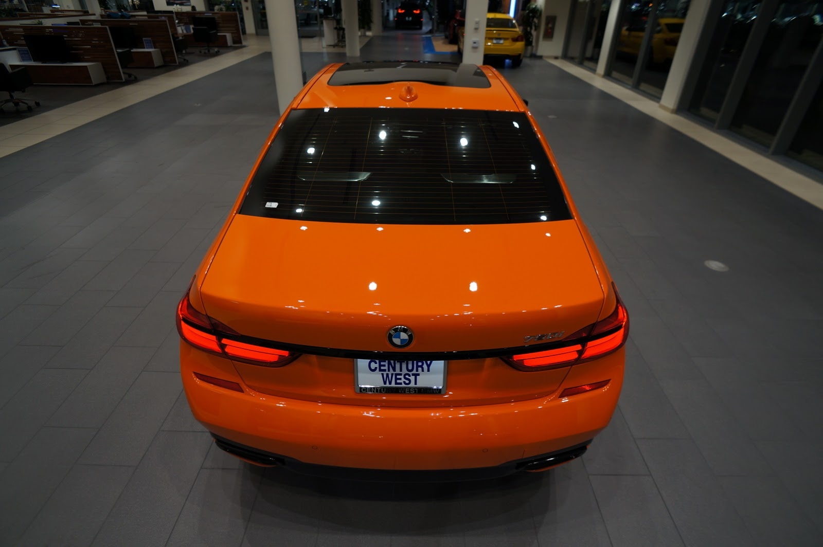BMW_750i_Fire_Orange_41