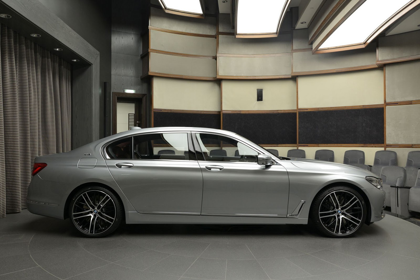 BMW 760Li xDrive V12 Pure Excellence Design (10)