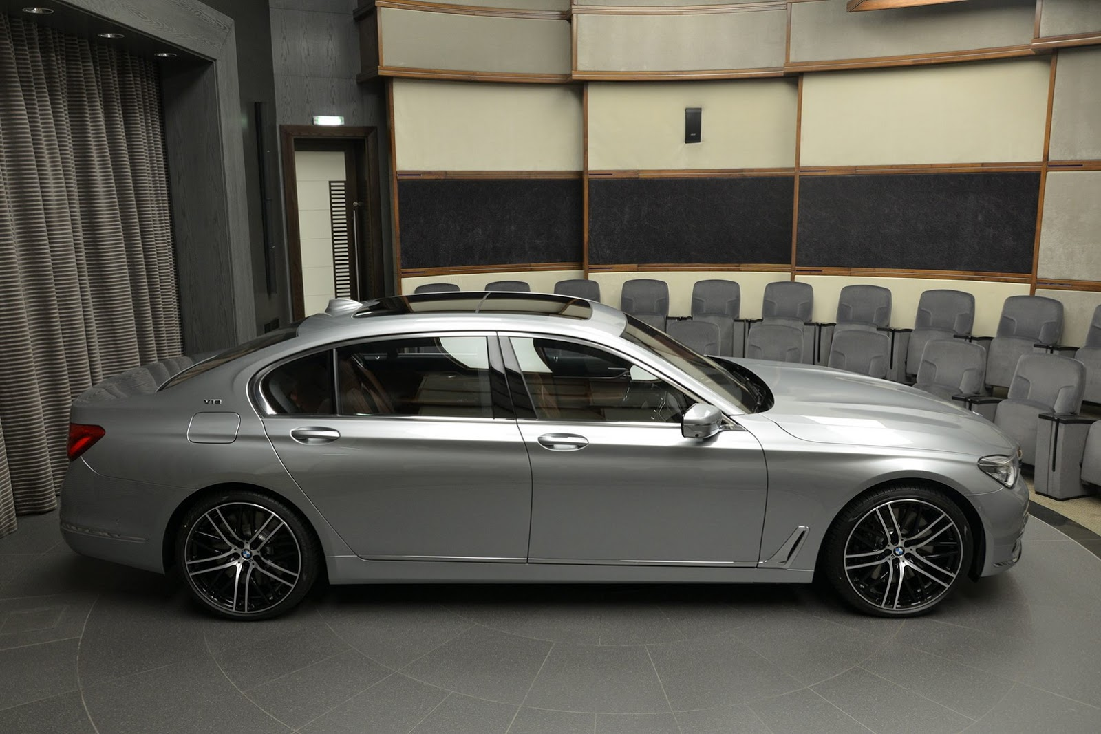 BMW 760Li xDrive V12 Pure Excellence Design (11)