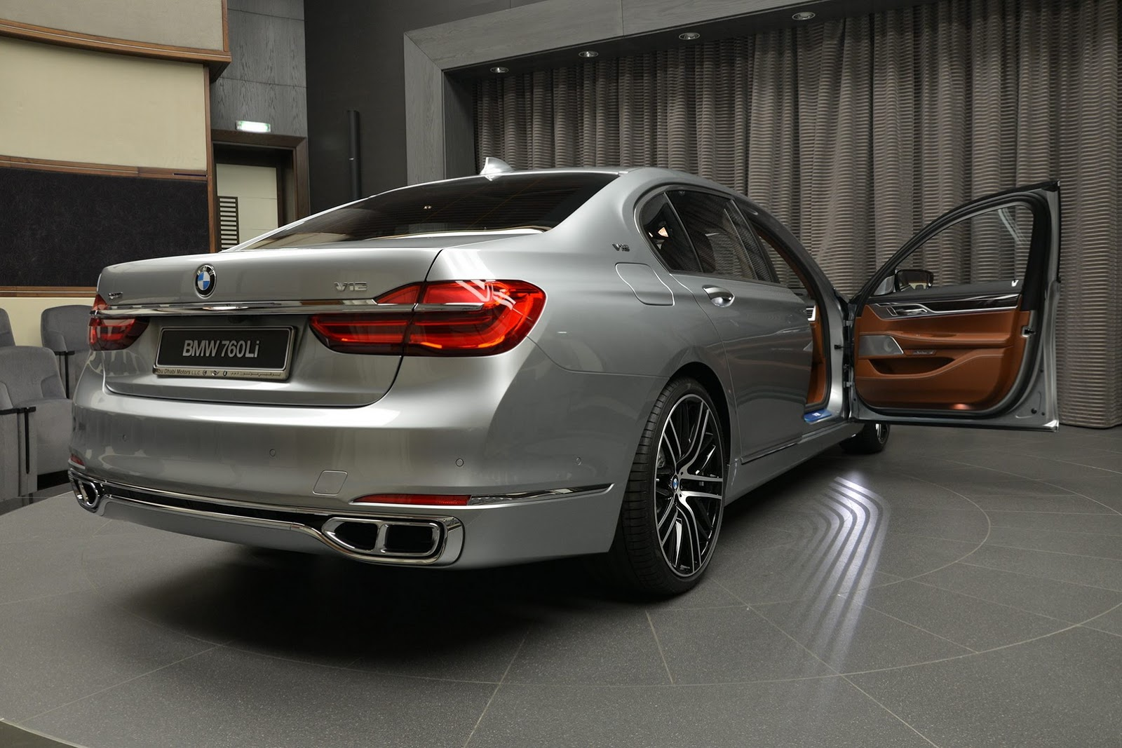 BMW 760Li xDrive V12 Pure Excellence Design (12)