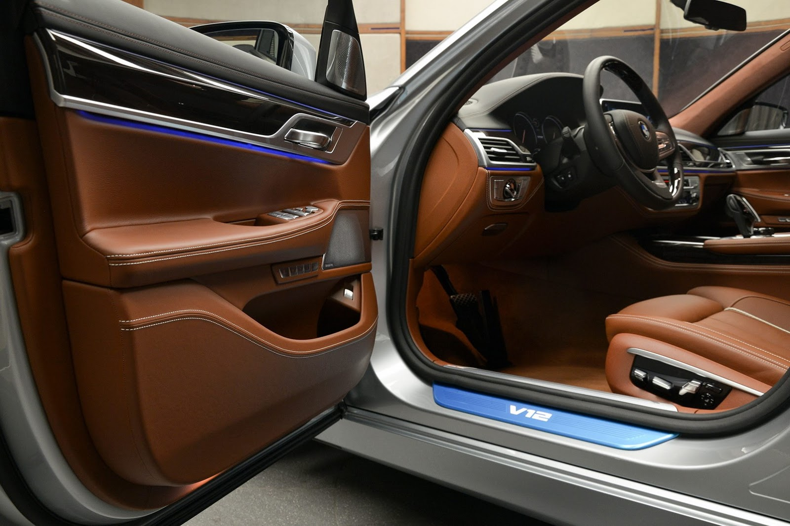 BMW 760Li xDrive V12 Pure Excellence Design (24)
