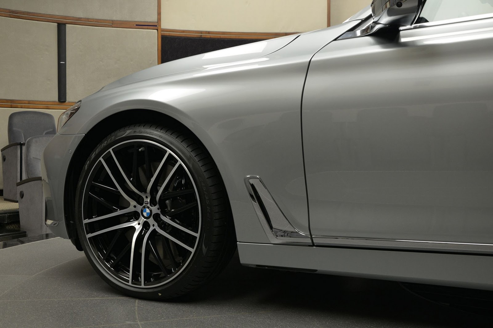 BMW 760Li xDrive V12 Pure Excellence Design (6)