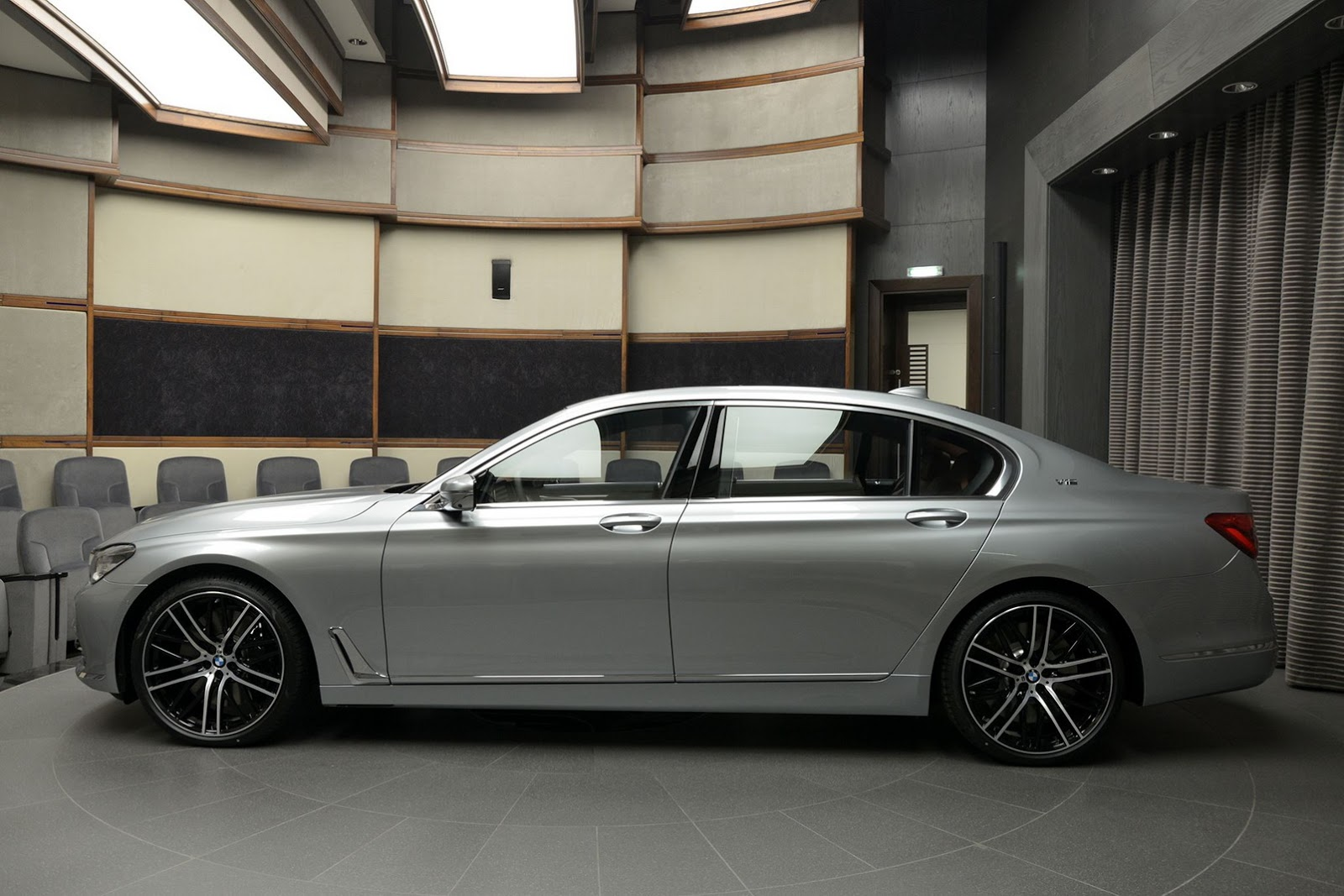 BMW 760Li xDrive V12 Pure Excellence Design (9)
