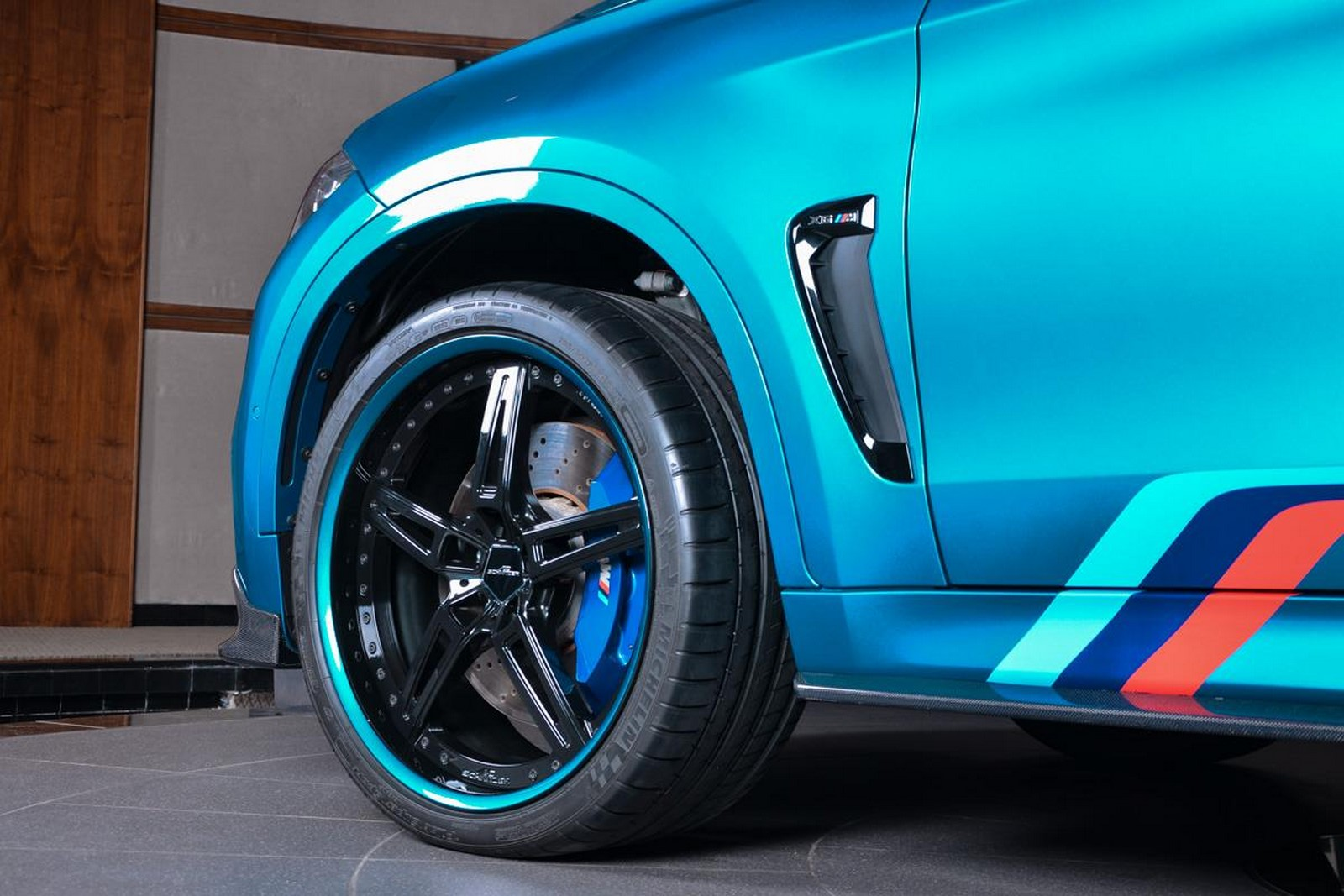 BMW Abu Dhabi X6M-8