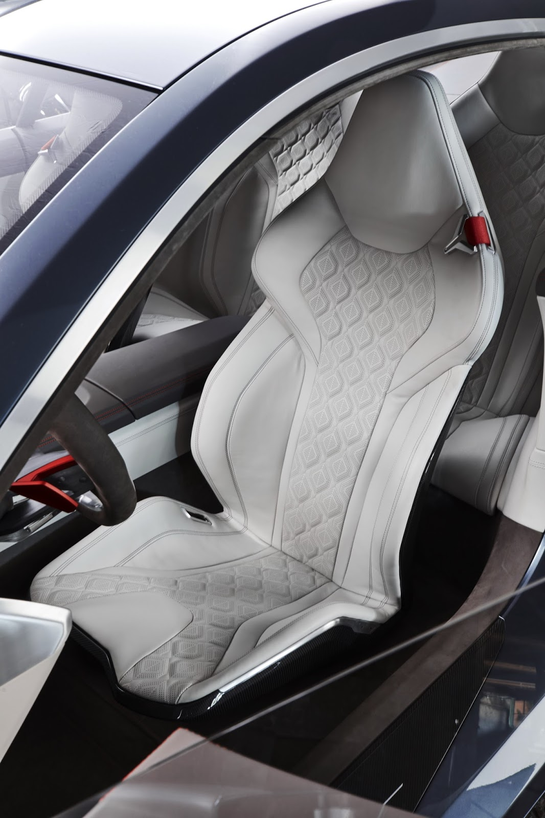 BMW_Concept_8_Series_50