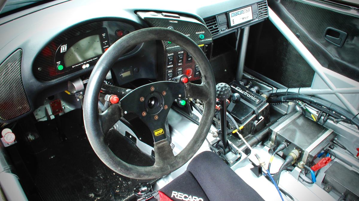 BMW-320-Cockpit