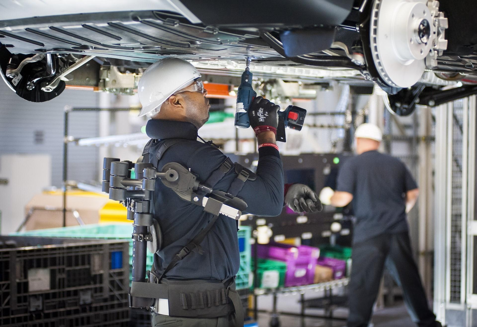 BMW humans robots (14)