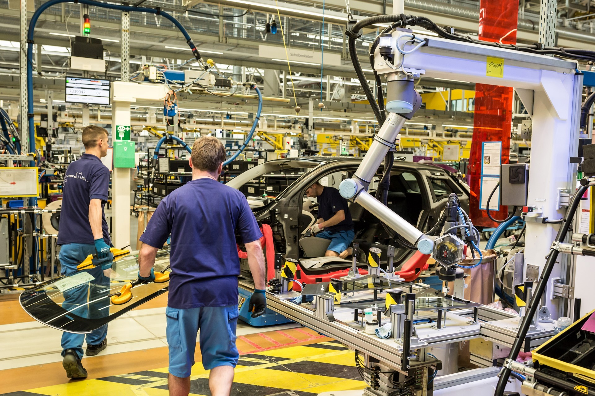 BMW humans robots (20)