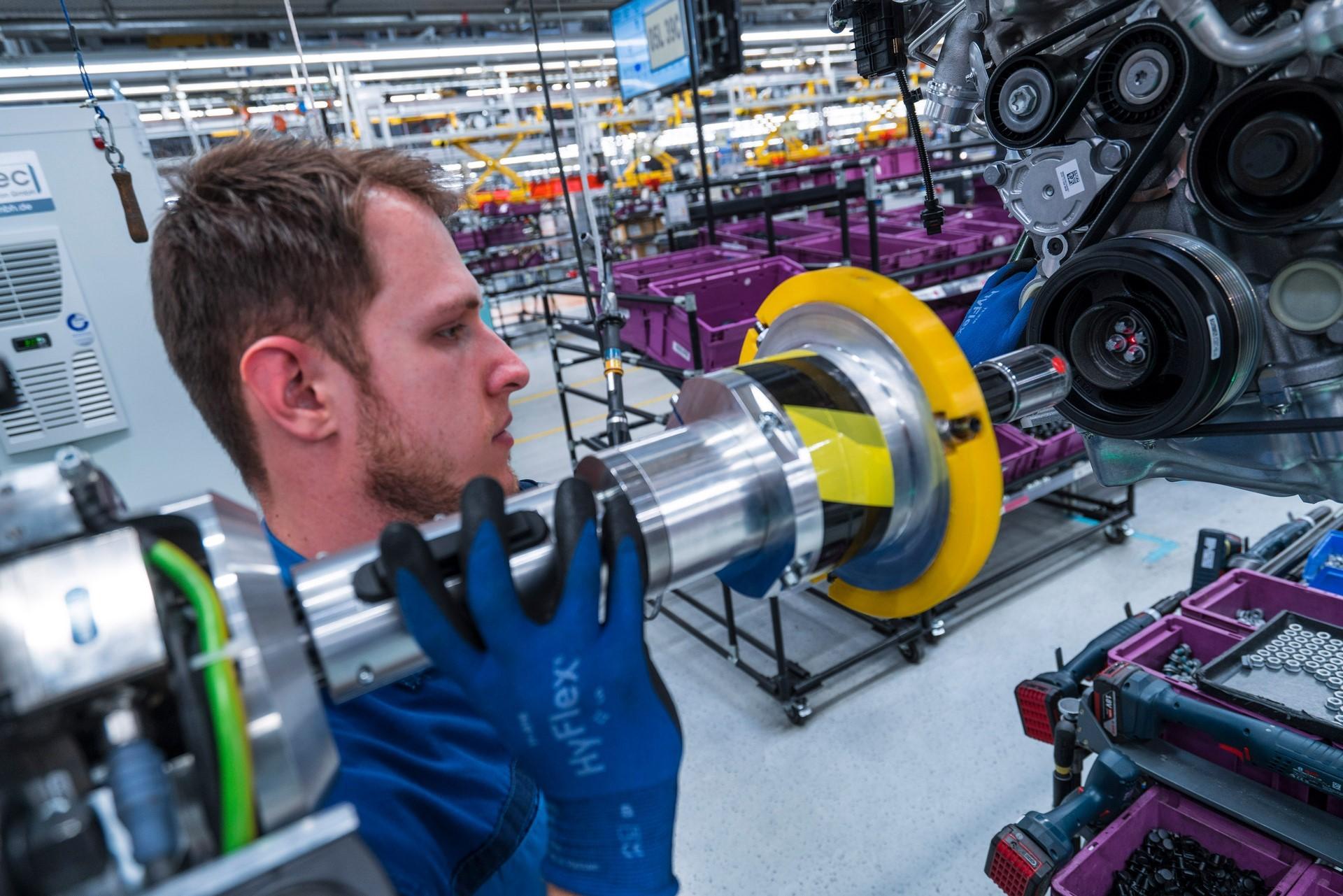 BMW humans robots (28)
