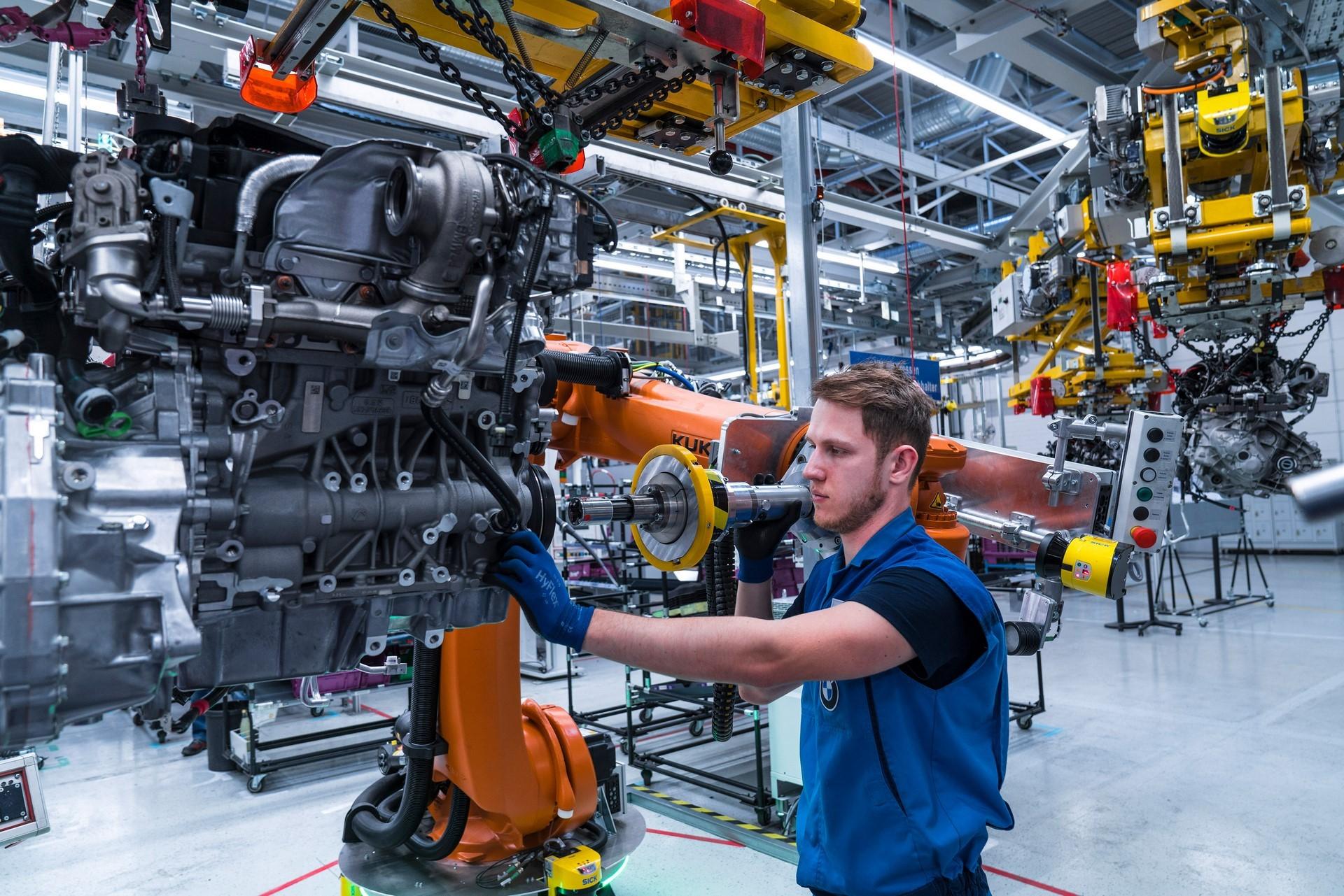 BMW humans robots (31)
