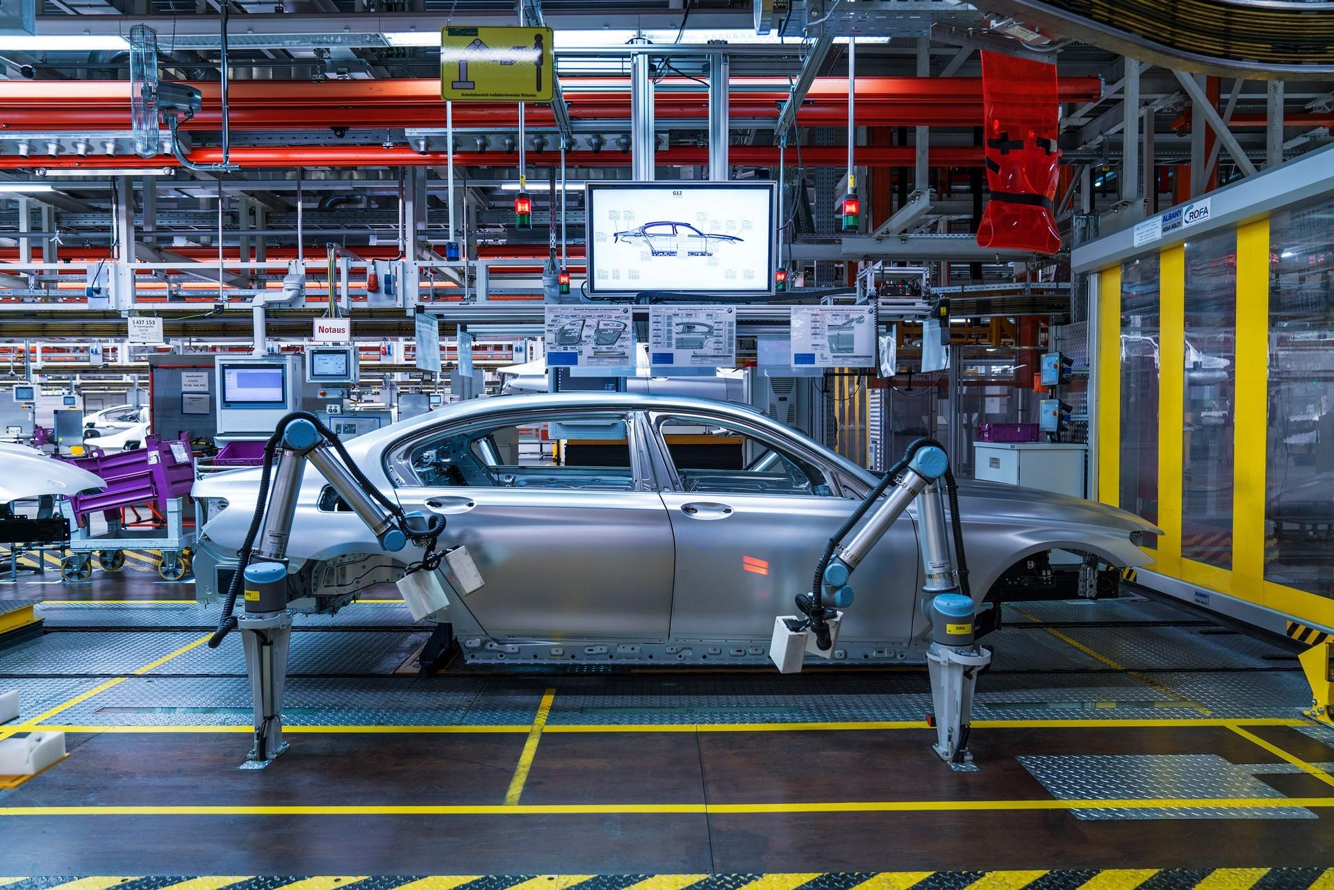 BMW humans robots (32)