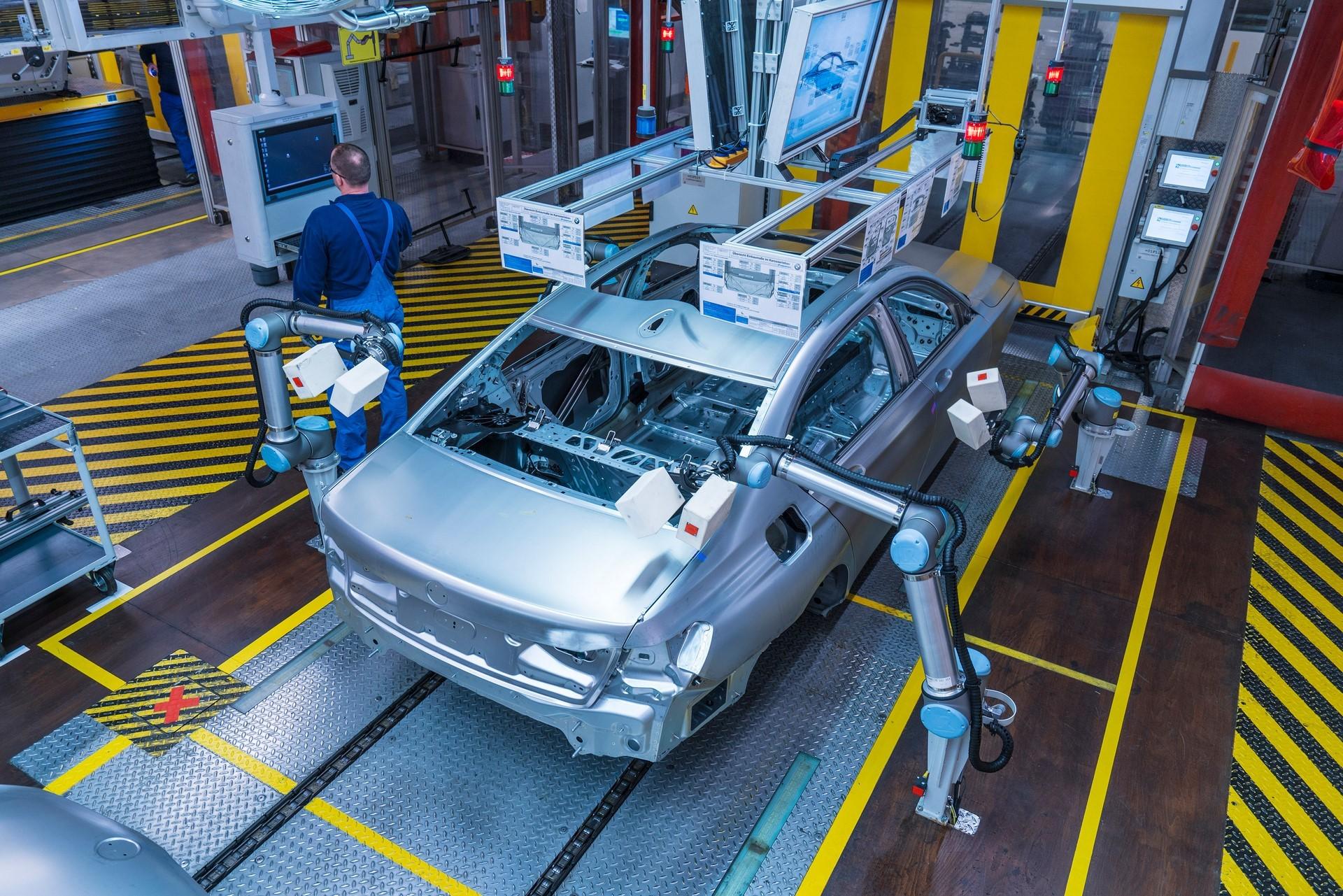 BMW humans robots (34)