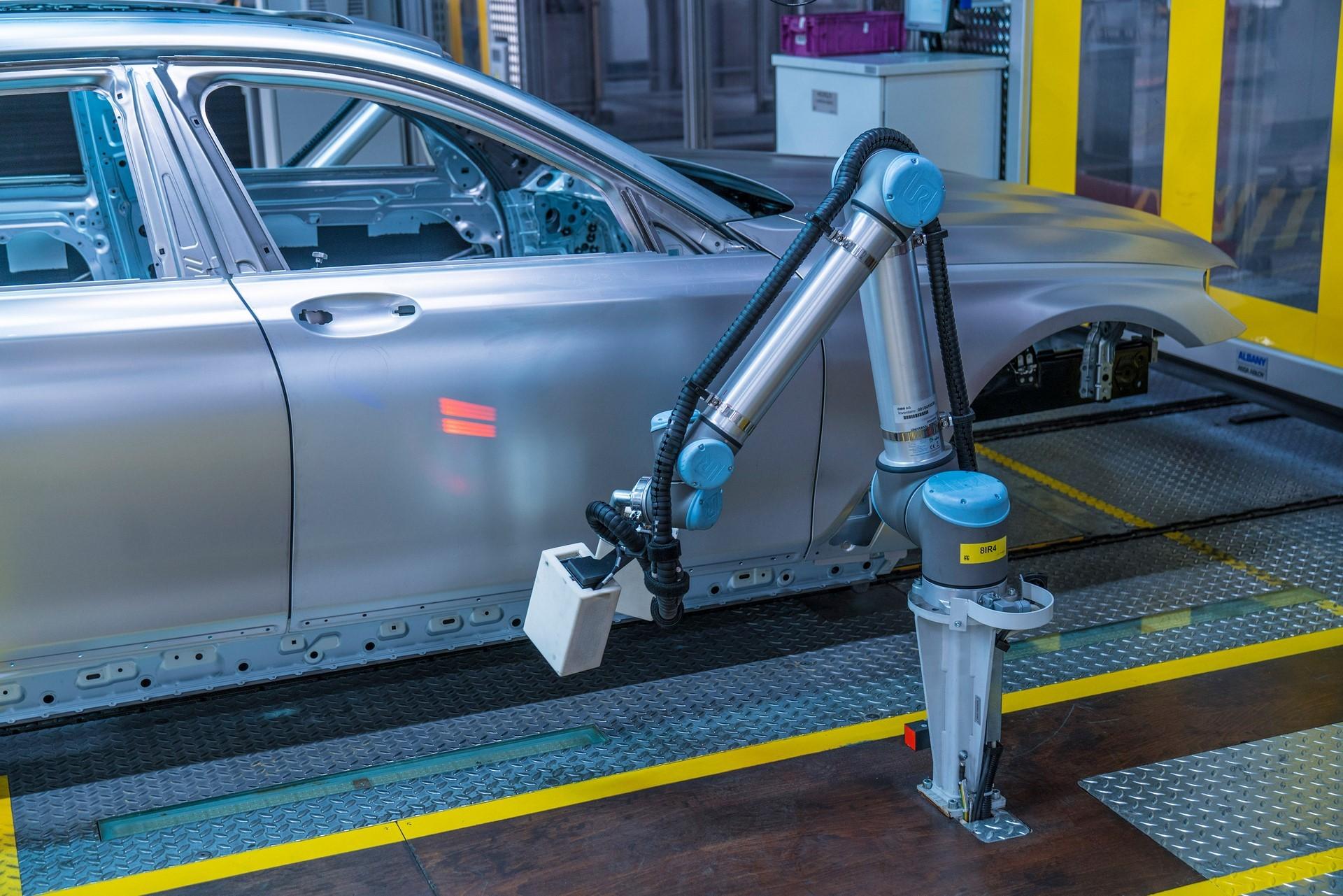 BMW humans robots (36)