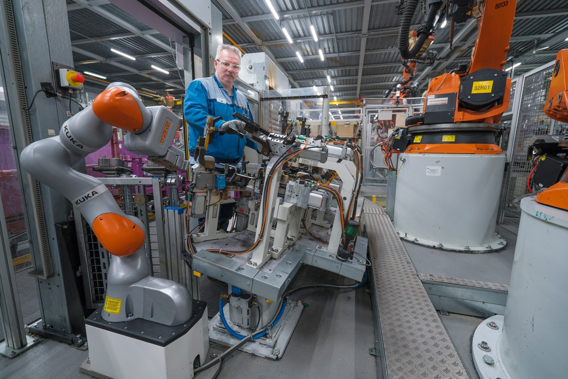 BMW humans robots (39)