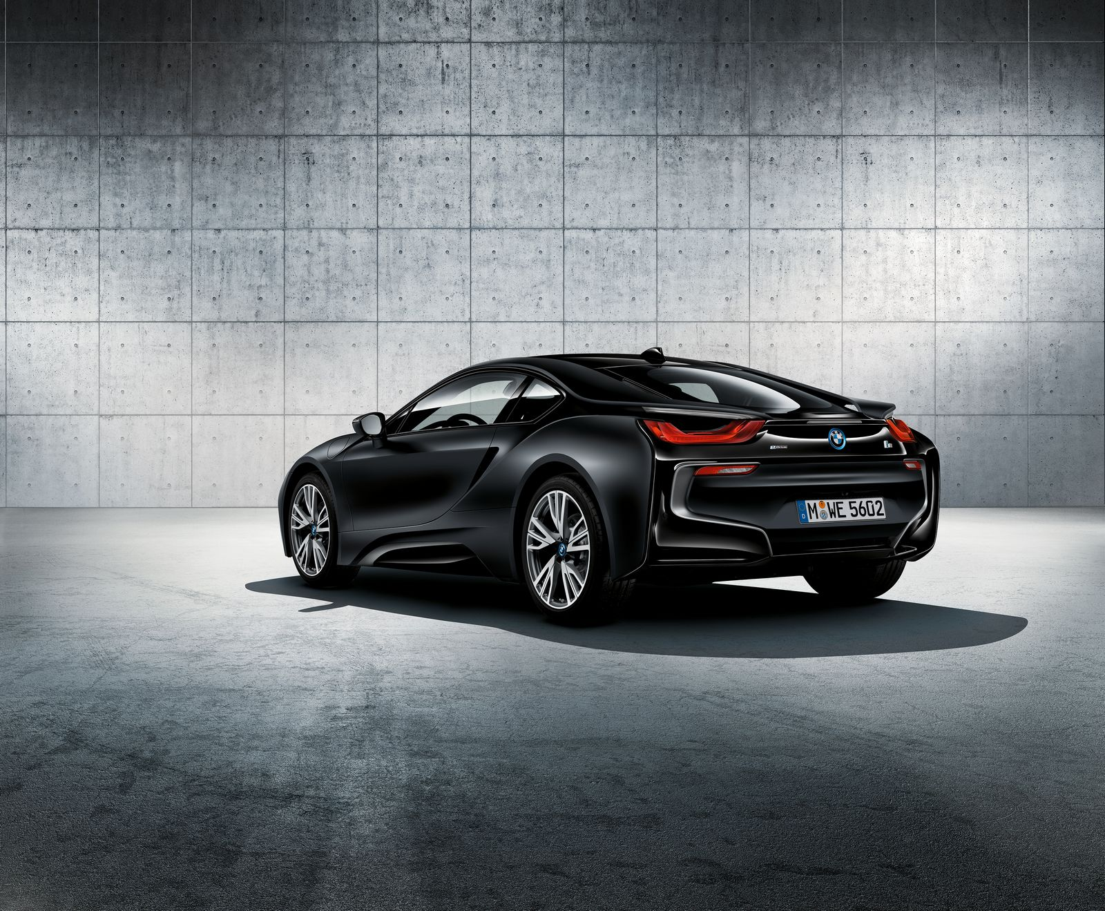 BMW i8 Frozen Black 1
