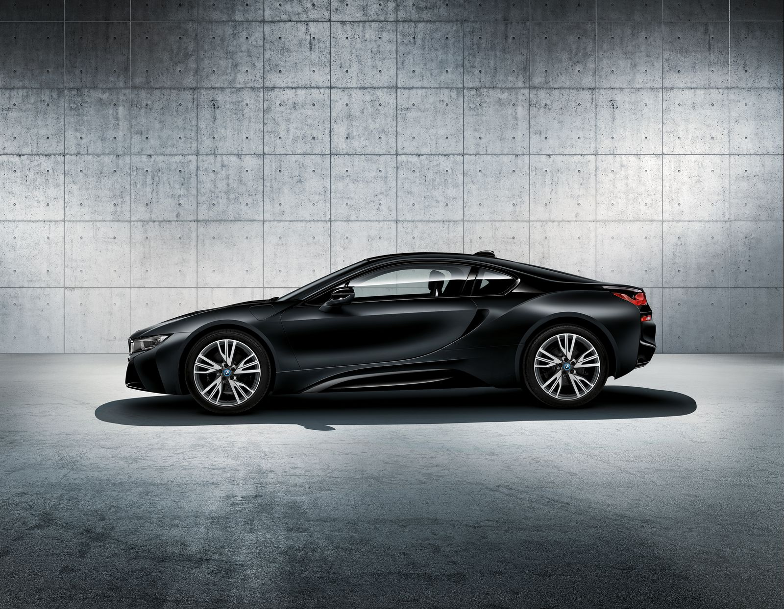 BMW i8 Frozen Black 3