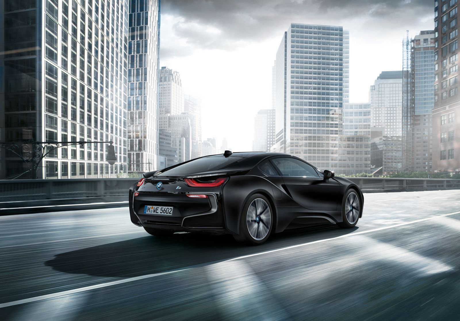 BMW i8 Frozen Black 5