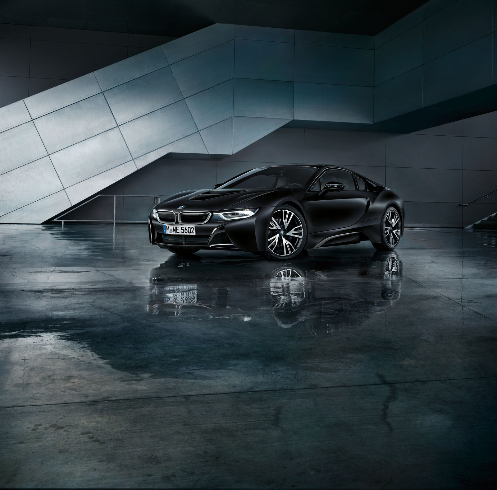 BMW i8 Frozen Black 7