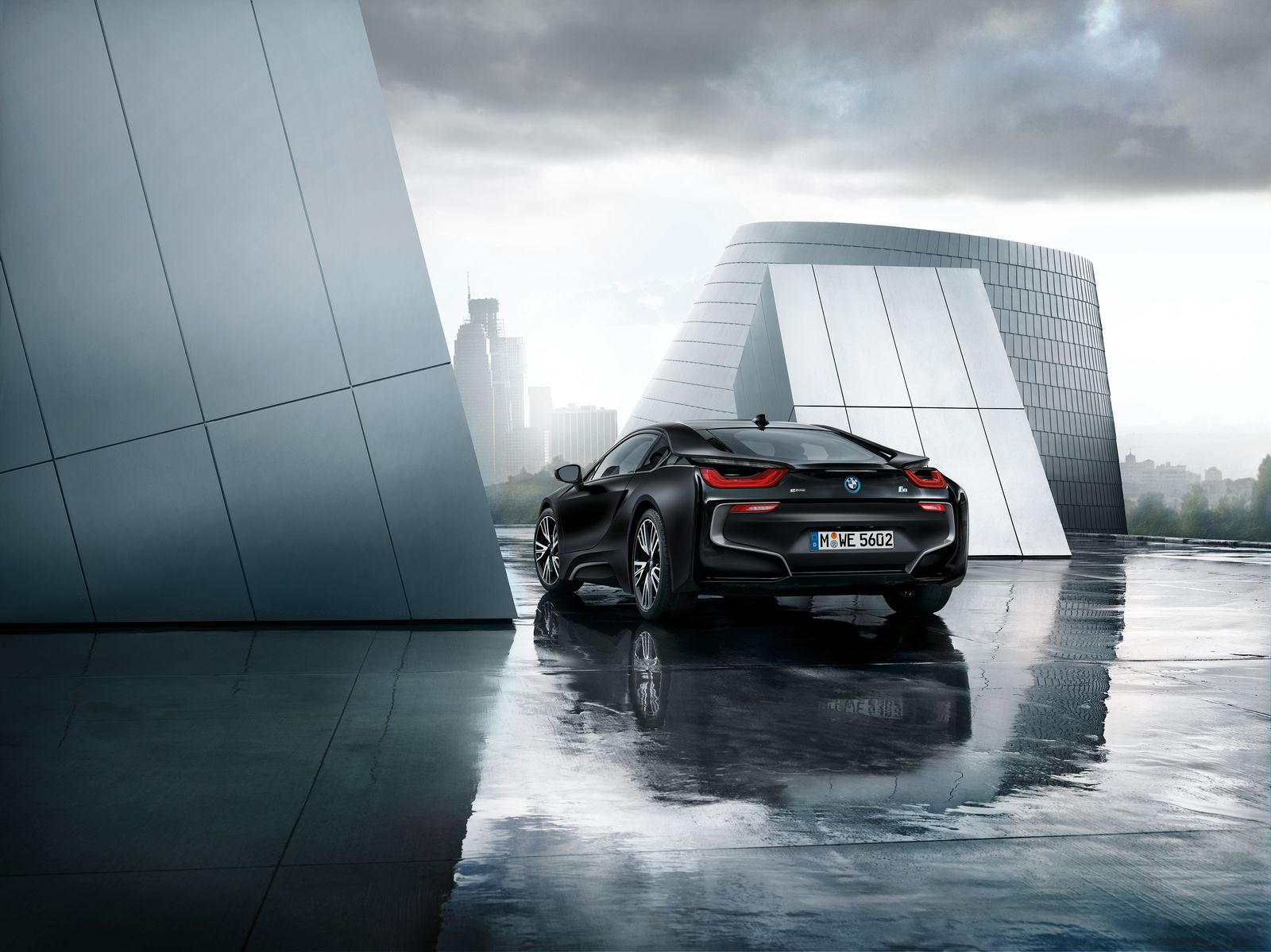 BMW i8 Frozen Black 8