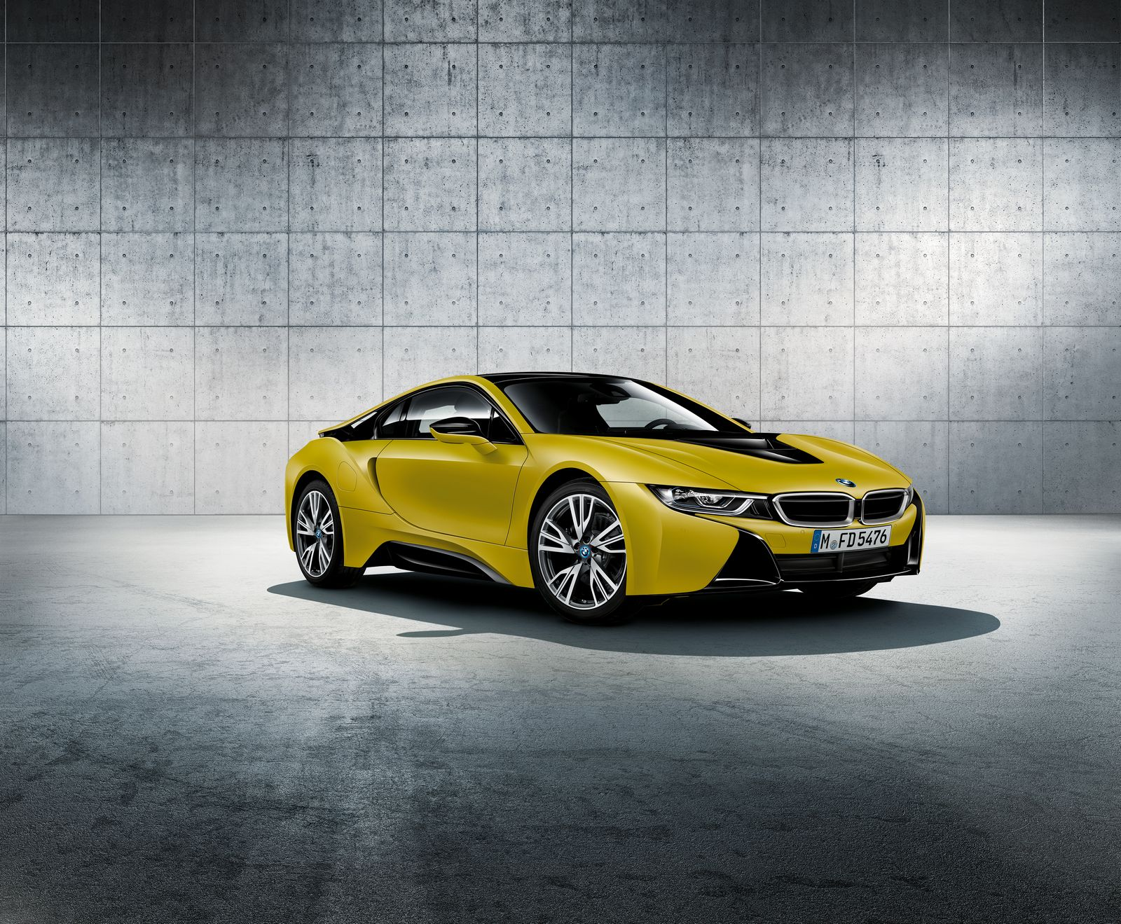 BMW i8 Frozen Yellow 1