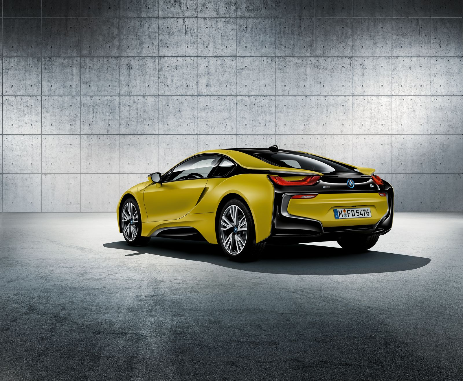 BMW i8 Frozen Yellow 2